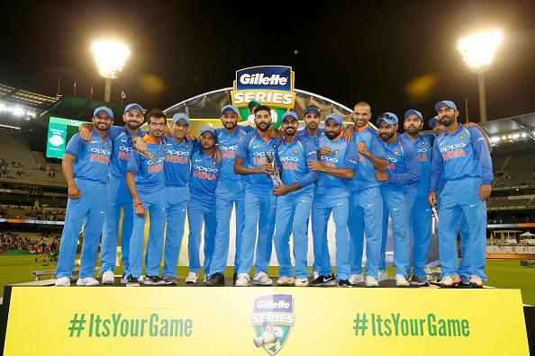 AUSvsIND: विराट कोहली ने बताया, क्यों नंबर 4 पर बल्लेबाजी करने आये महेंद्र सिंह धोनी 3