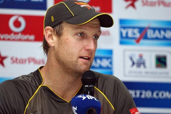कुछ ऐसी थी आरसीबी के पहले आईपीएल मैच की प्लेइंग इलेवन 4