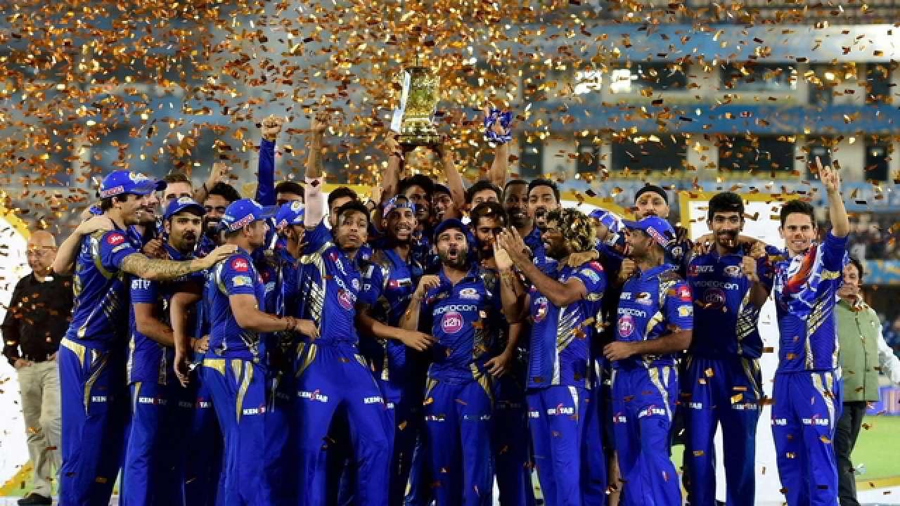 आईपीएल 2019: तीन बार की विजेता मुंबई इंडियंस ने नई किट लॉन्च की, देखें मुंबई की ये नई जर्सी