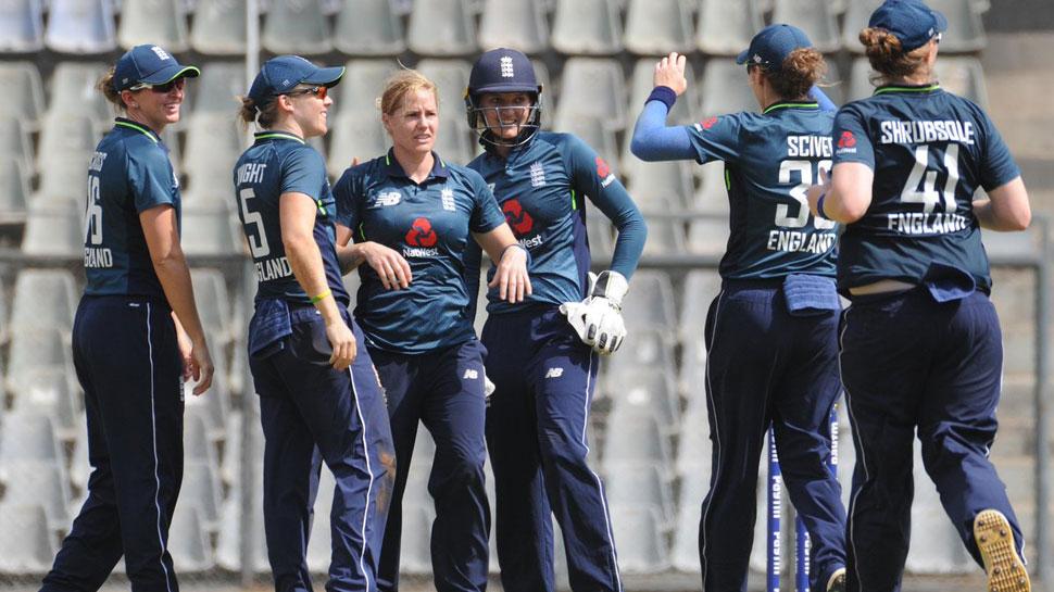 महिला क्रिकेट : इंग्लैंड ने भारत को 2 विकेट से दी मात