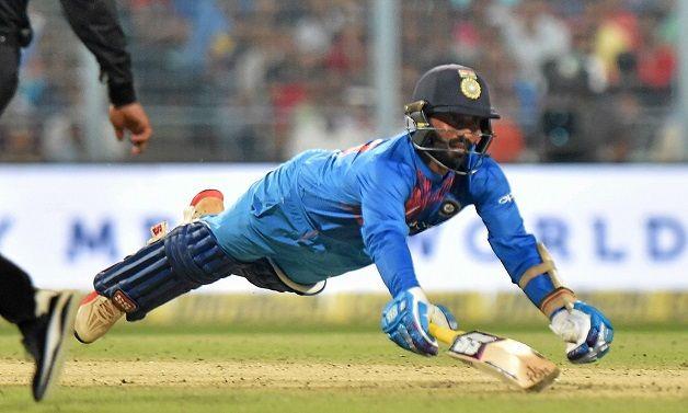5 भारतीय खिलाड़ी जिन्हें अब टेस्ट से संन्यास लेकर, सीमित ओवर क्रिकेट पर ध्यान देना चाहिए 6