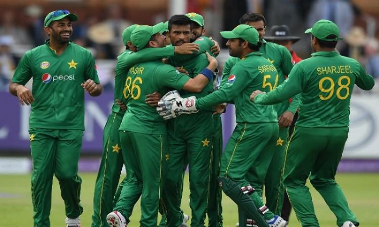 पाकिस्तान के खिलाड़ी ने मैच में साथी बल्लेबाज से की अभद्रता, दी भद्दी गालियां 1