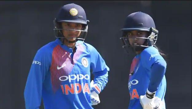 स्मृति मंधाना और मिताली राज की शानदार पारियों के दम पर भारत ने इंग्लैंड को 7 विकेट से हराया 2