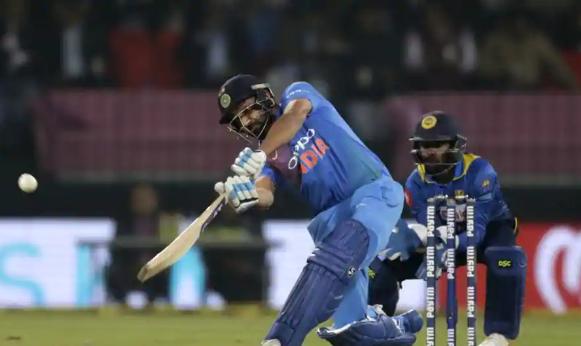 IND vs NZ: तीसरे टी-20 मैच में दो छक्के लगाते ही ऐसा करने वाले दुनिया के एकलौते खिलाड़ी बन जायेंगे रोहित शर्मा 4