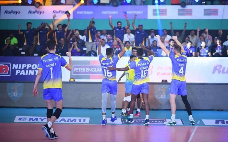 प्रो वॉलीबॉल लीग : कोच्चि ब्लू स्पाइकर्स ने अहमदाबाद डिफेंडर्स को दी मात