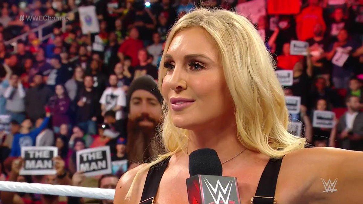 WWE 'क्वीन' शार्लेट फ्लेयर ने किया खुलासा, इस सुपरस्टार को कर रही हैं डेट 54