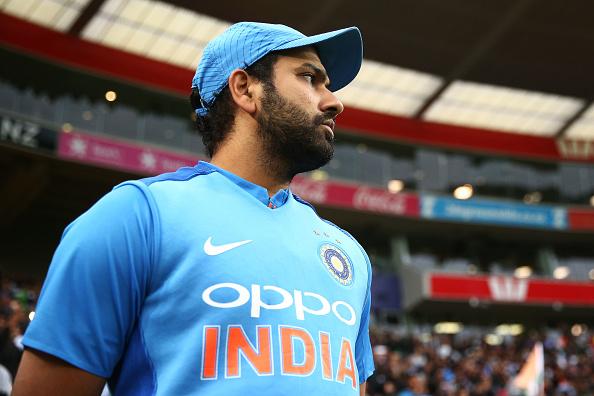 भारतीय कप्तान रोहित शर्मा पर लगा खिलाड़ियों से भेदभाव करने का आरोप, टीम इंडिया को बना रहे मुंबई इंडियंस