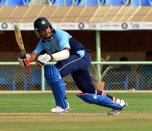 चेतेश्वर पुजारा ने टी-20 क्रिकेट में लगाया ताबड़तोड़ शतक, सोशल मीडिया पर लगा बधाइयों का तांता 60