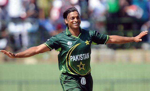 IPL 2019- भारतीय ओपनर शिखर धवन ने इस पाकिस्तानी तेज गेंदबाज को बताया अपना पसंदीदा गेंदबाज 1