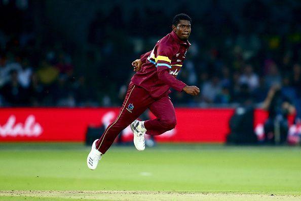 5 मौके जब गेंदबाज ने मांकडिंग कर अपनी टीम को जीताया मैच, टॉप पर हैं भारतीय विश्वविजेता कप्तान 4