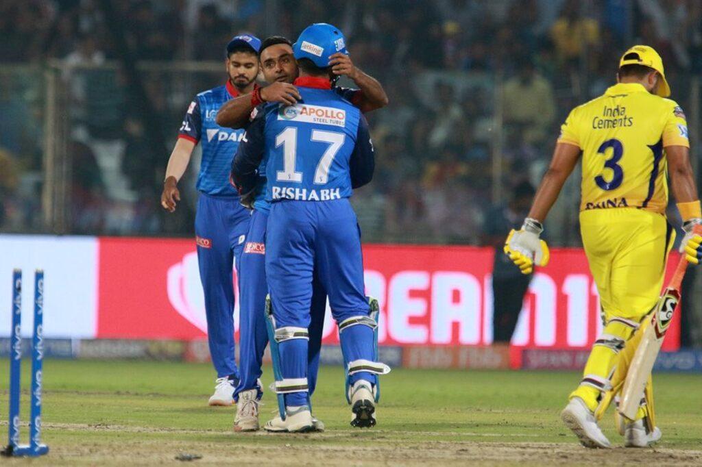 आईपीएल 2019, DCvsCSK: मैच में बनें 8 बड़े रिकॉर्ड, ऐसा करने वाले दूसरे खिलाड़ी बने महेंद्र सिंह धोनी 3