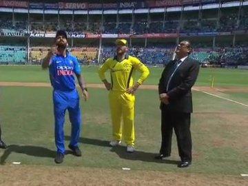 नागपुर वनडे : आस्ट्रेलिया ने टॉस जीत चुनी गेंदबाजी