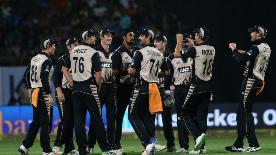 सिर्फ 2 अंगुलियों से खेला क्रिकेट टी-20 में 2 शतक और विश्व कप में लगा चूका है दोहरा शतक 19