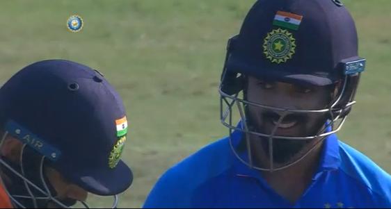 WATCH: विराट कोहली ने खेला ऐसा अटपटा शॉट, देखकर नहीं रुकी केएल राहुल की हंसी 2