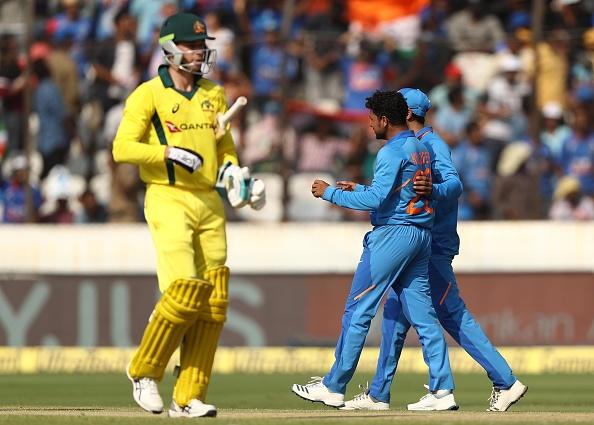 India vs Australia- वीडियो: रोहित शर्मा ने खेला ये अनोखा शॉट, देखने लायक था सामने खड़े विराट कोहली का रिएक्शन 1