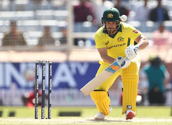 INDvsAUS, रांची वनडे: ऑस्ट्रेलिया की शानदार बल्लेबाजी के बीच ट्विटर पर बना इस भारतीय खिलाड़ी का मजाक 1
