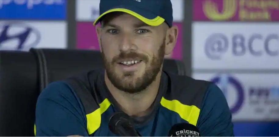 INDIA vs AUSTRALIA: बुमराह और भुवनेश्वर रहे एश्टन टर्नर को अंत में आउट करने में असफल, तो फिंच ने इस गेंदबाज को बताया विश्व का सर्वश्रेष्ठ डेथ ओवर गेंदबाज 15