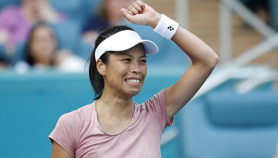 Women's Tennis: Miami Oscars Victims of Vicissitudes