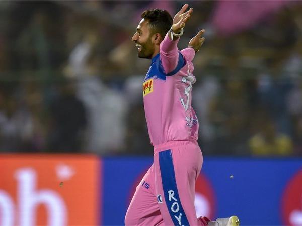 आईपीएल ट्रॉफी पर लिखी 'यत्र प्रतिभा अवसरा प्रपनोतिः' लाइन को इन 5 खिलाड़ियों ने सही साबित कर दिखाया 4