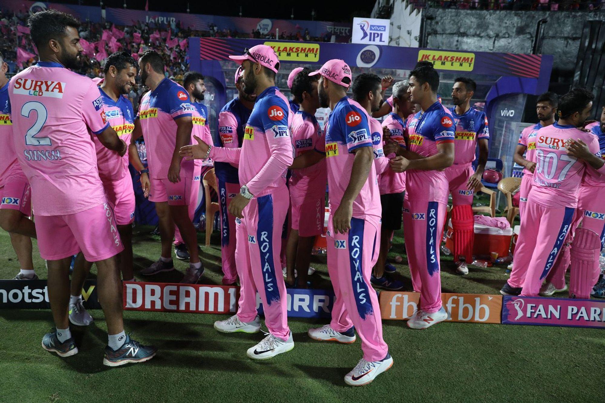 आईपीएल 2019 में एक एक रन के लिए तरस रहा हैं यह ऑस्ट्रेलियाई खिलाड़ी, भारत के खिलाफ रातोंरात बना था सुपरस्टार 3