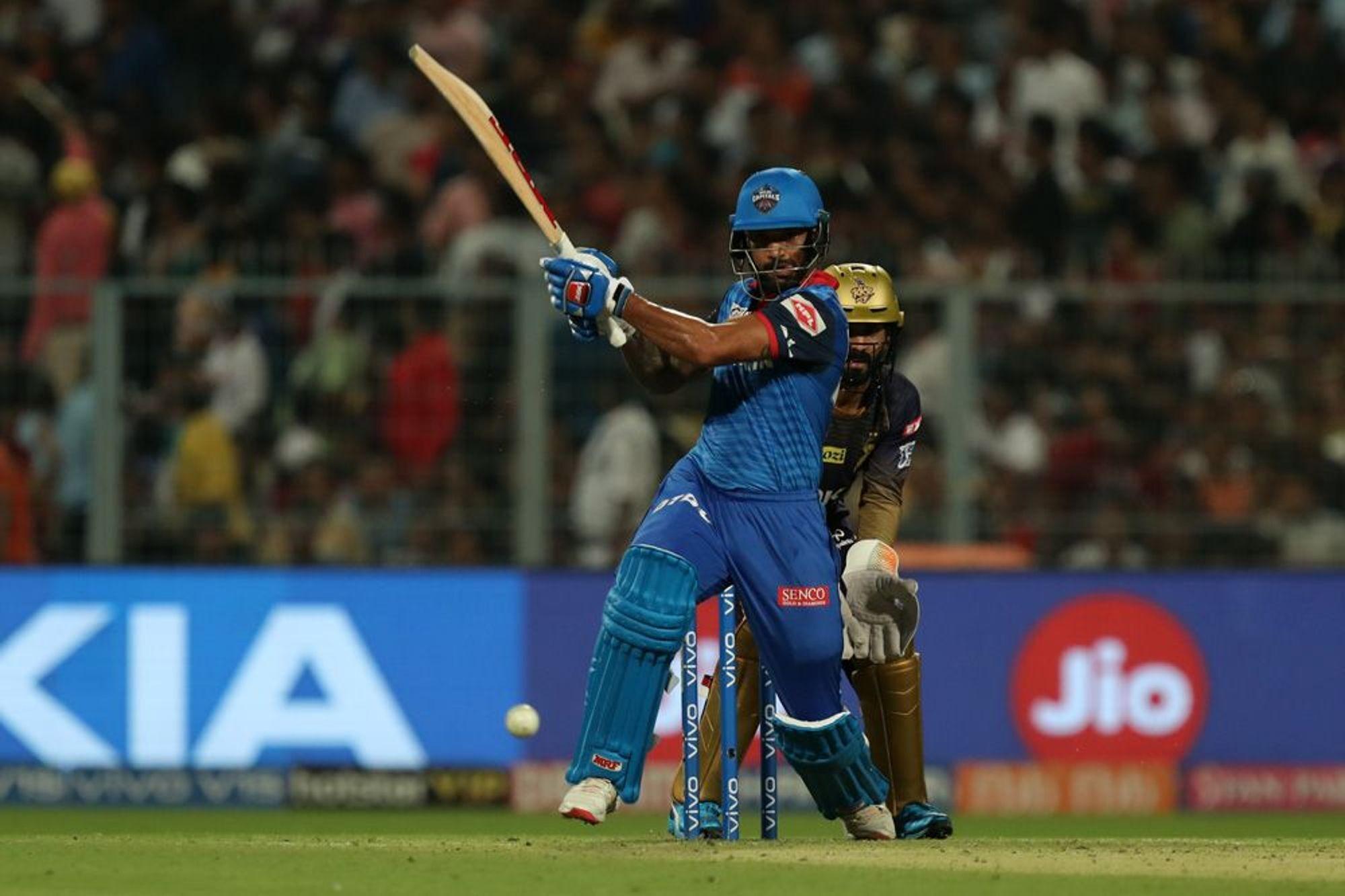 KKRvsDC: दिल्ली कैपिटल्स को जीत दिलाकर ट्विटर पर छाए शिखर धवन, इस खिलाड़ी का उड़ा मजाक 28
