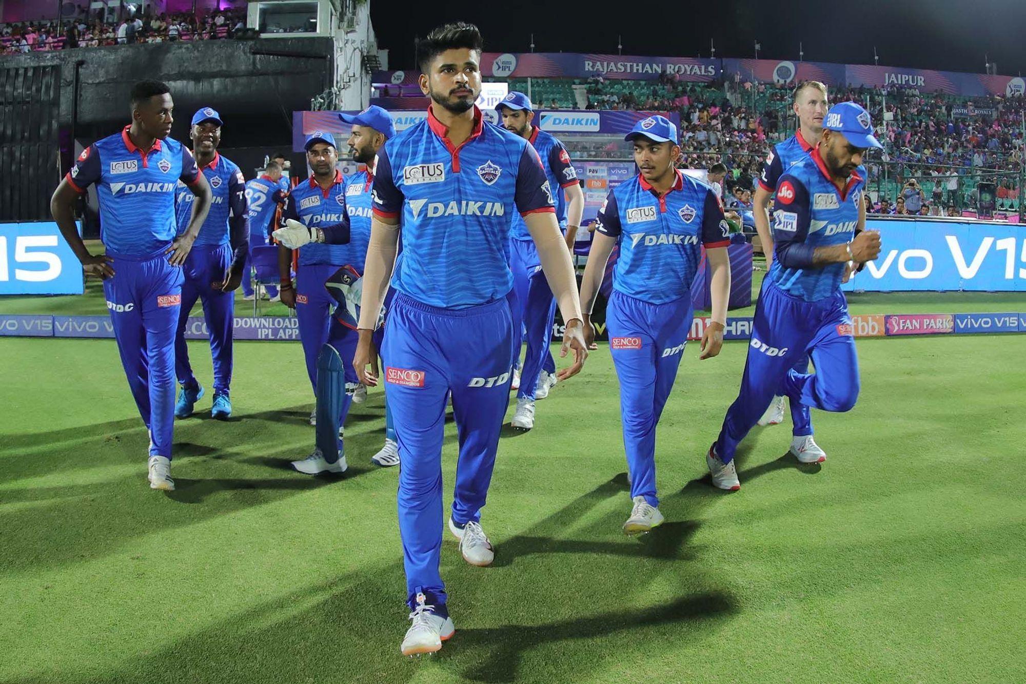 आईपीएल 2019 : दिल्ली कैपिटल्स के सीनियर खिलाड़ी ने गुस्से में खोया अपना आपा, ऋषभ पंत को मारी गेंद! 74