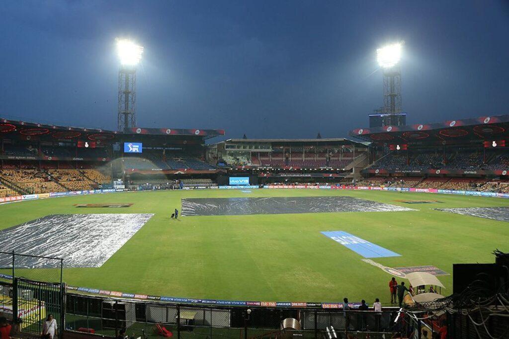 IPL 2019: RCB vs RR: बारिश हुई तेज, अब सिर्फ इतने ओवर हो सकेगा मुकाबला, जाने कब तक शुरू होने की सम्भावना 2