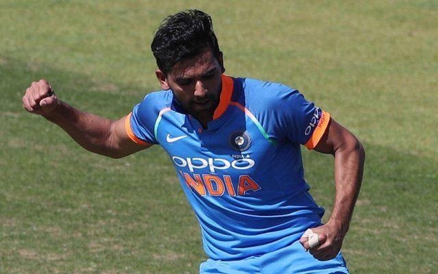 दीपक चाहर ने टी-20 के बाद अब वनडे के लिए पेश की दावेदारी विकेट लेने के साथ खेली 63 रनों की तूफानी पारी 1