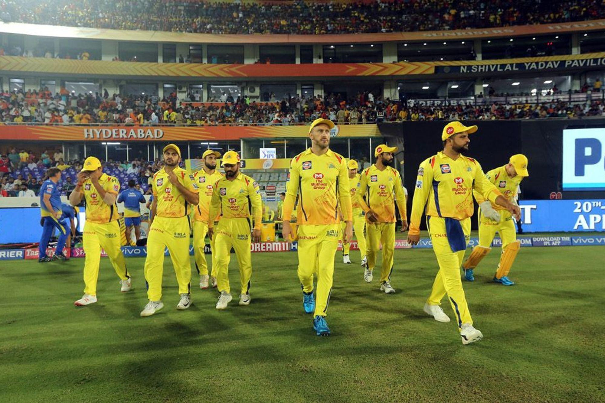 आईपीएल 2019 : महेंद्र सिंह धोनी ने लगया इस सीजन आईपीएल का अबतक का सबसे लम्बा छक्का 2