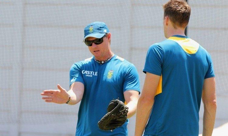 साउथ अफ्रीका के कोच ओटिस गिब्सन ने बताया किन 15 खिलाड़ियों के साथ विश्वकप में शामिल होगी अफ्रीका 3