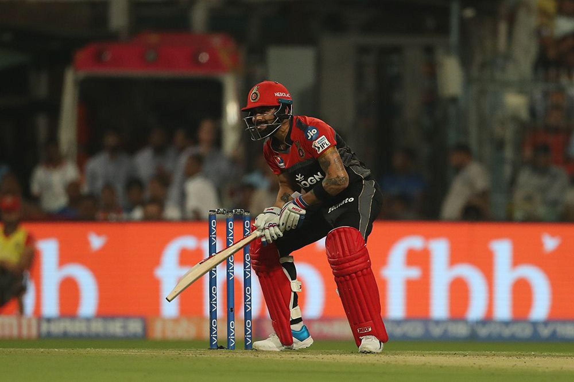 WATCH: विराट कोहली बने विभीषण, भारतीय गेंदबाज की कमजोरी बताई इंग्लैंड बल्लेबाज को 3