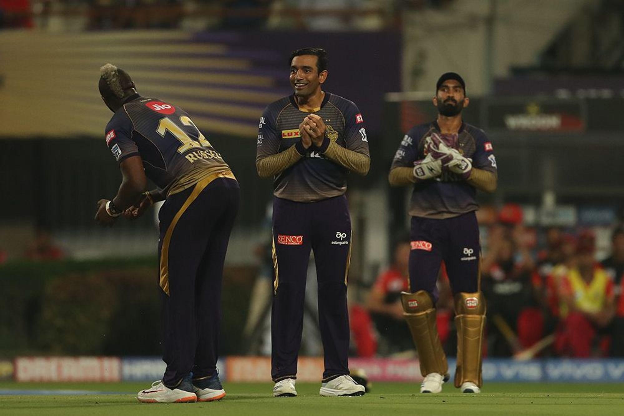 लगातार 5 मैचों में हार के बाद कप्तान कार्तिक समेत केकेआर इन 5 खिलाड़ियों को भेजा टीम से बाहर 57
