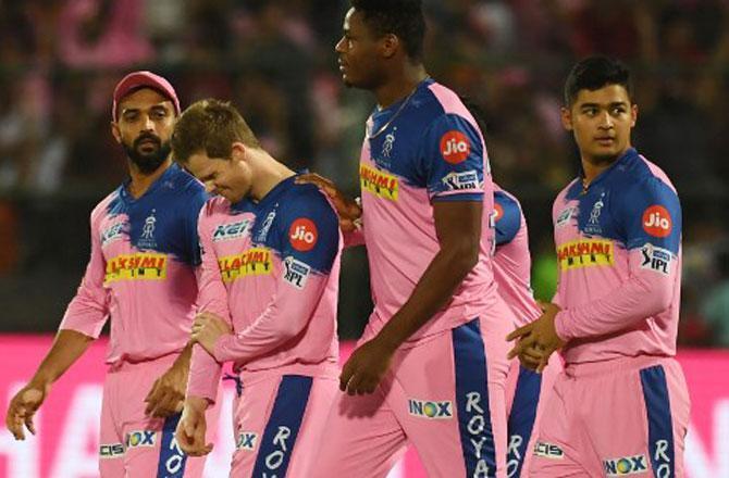 RCBvsRR: राजस्थान रॉयल्स ने जीता टॉस, दोनों टीमों में बड़े बदलाव 1