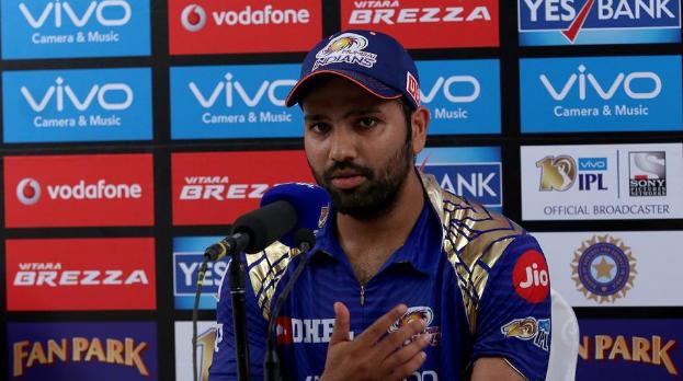 DCvsMI : हार्दिक पांड्या को नजरंदाज करते हुए रोहित शर्मा ने इस खिलाड़ी को दिया जीत का पूरा श्रेय