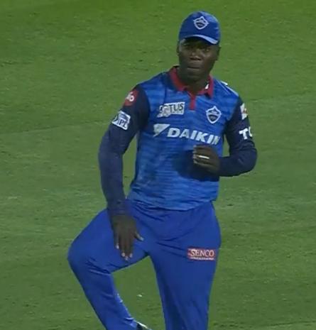WATCH : 16.4 ओवर में रदरफोर्ड ने कैच पकड़ने के बाद कुछ इस तरह की शिखर धवन की नकल 2