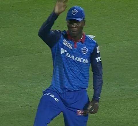 WATCH : 16.4 ओवर में रदरफोर्ड ने कैच पकड़ने के बाद कुछ इस तरह की शिखर धवन की नकल 3