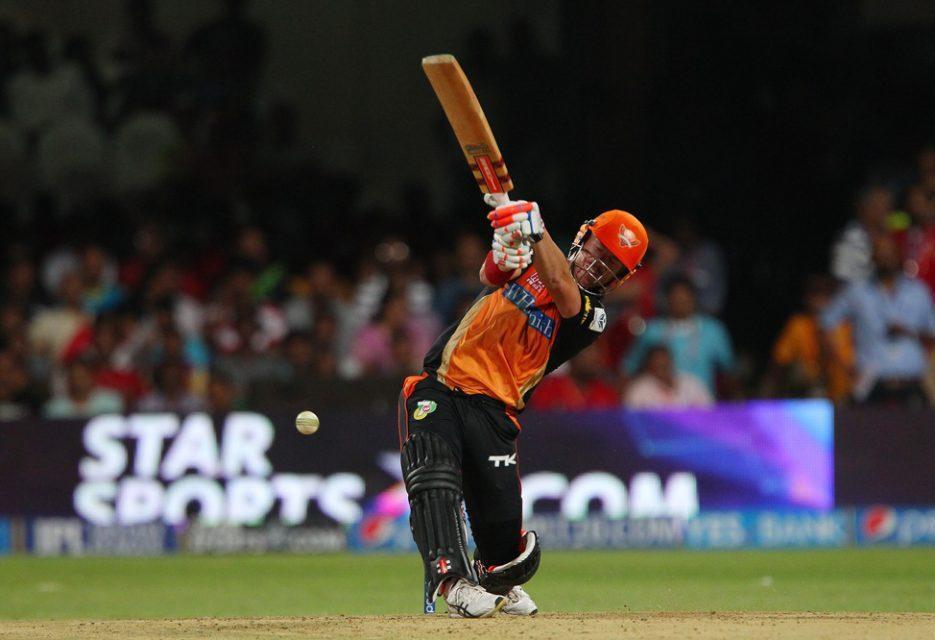 विश्व का एकलौता बल्लेबाज जिसने आईपीएल के लगातार 5 सीजन में हर बार बनाया 500 से ज्यादा रन 2