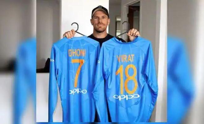 भारत दौरे पर आरोन फिंच को मिला था विराट कोहली और महेंद्र सिंह धोनी से यह खास गिफ्ट, आज तस्वीर की शेयर 1