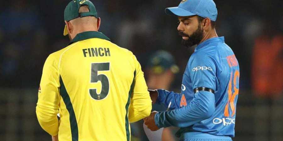 भारत दौरे पर आरोन फिंच को मिला था विराट कोहली और महेंद्र सिंह धोनी से यह खास गिफ्ट, आज तस्वीर की शेयर 2