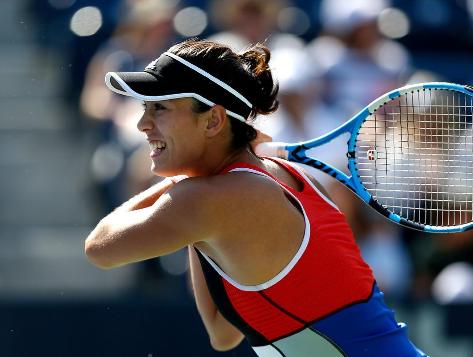 Women's Tennis: Muguruja wins Monterey Open title