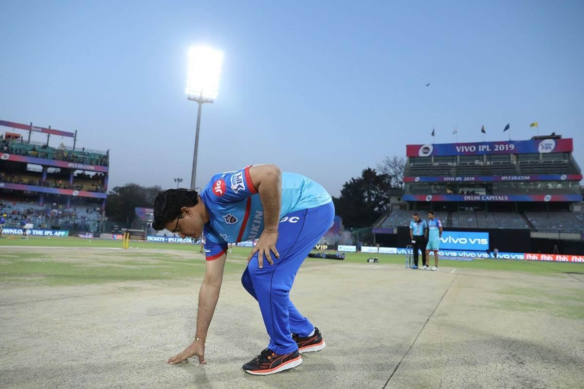 दिल्ली-कोलकाता के बीच इडेन गार्डन में हुए मैच में सौरव गांगुली कर गये कुछ ऐसा, छीन सकता है कैब का अध्यक्ष पद 21