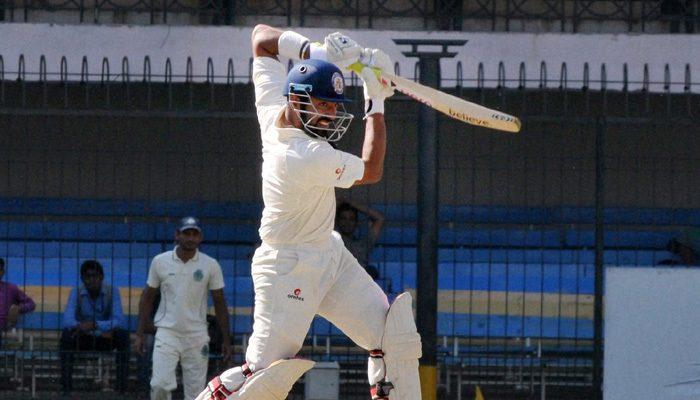 वीडियो: रणजी ट्रॉफी मैच के दौरान गेंदबाज ने डाली जानलेवा गेंद, बल्लेबाज को लगते ही मैदान में दौड़ पड़े फिजियो और खिलाड़ी 2