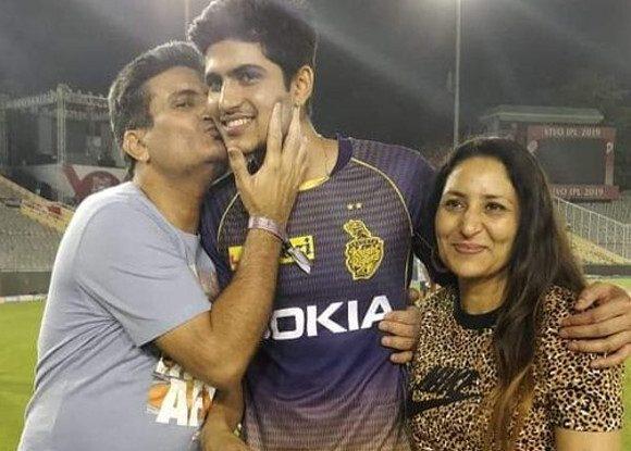 आईपीएल 2019: शुभमन गिल के पिता का भांगड़ा देख शाहरुख खान भी हुए खुश, गिल परिवार को सोशल मीडिया पर दिया खास सन्देश 2