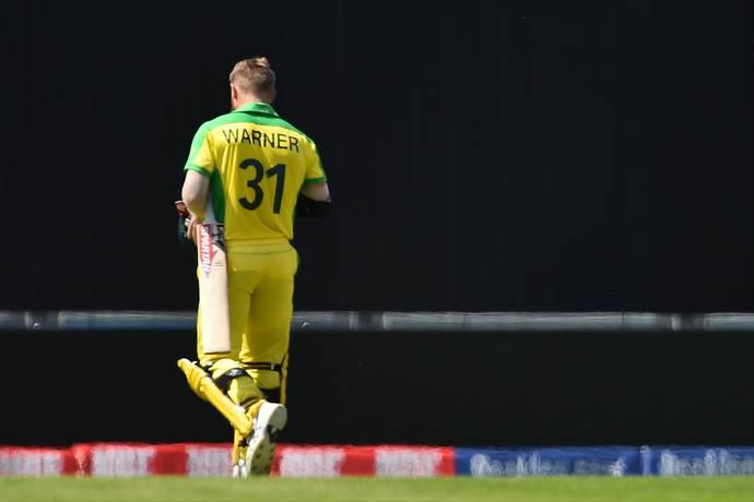 ICC CRICKET WORLD CUP 2019: अभ्यास मैच के दौरान इंग्लैंड के फैंस ने डेविड वार्नर के खिलाफ लगाये 'चीटर' के नारे