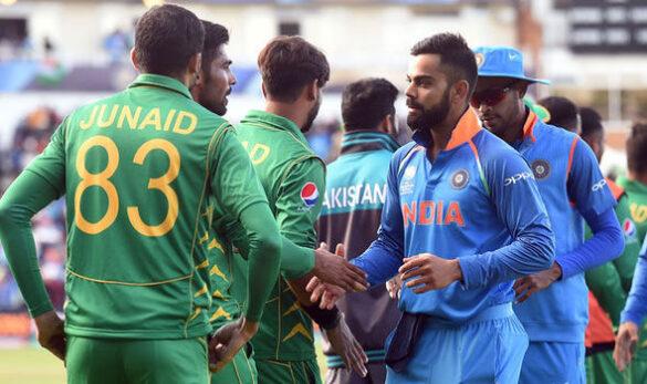 मैच हारने के बाद पाकिस्तानी क्रिकेटर्स ने किया कुछ ऐसा कि जीत लिया भारतीय फैंस का दिल 4