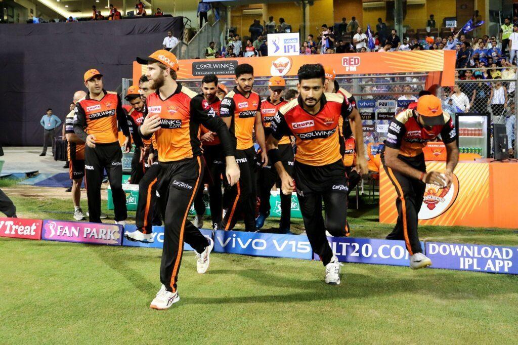 आईपीएल 2019: प्लेऑफ में बचे एक स्थान के लिए ऐसा है समीकरण, इस टीम का दावा सबसे मजबूत 1