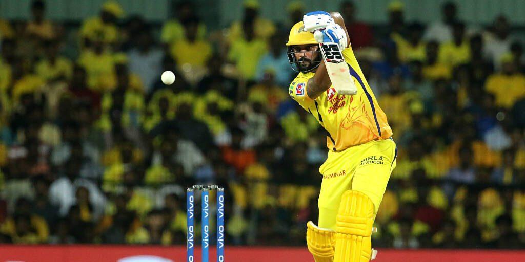 IPL 2019: केदार जाधव चेन्नई की टीम से हुए बाहर ये खिलाड़ी ले सकता है प्लेऑफ में उनकी जगह 2