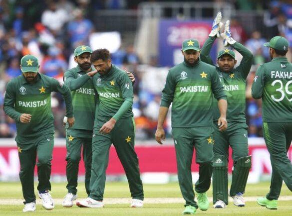 INDvsPAK: पाकिस्तान की हार के बाद कामरान अकमल ने प्रधानमंत्री से की पाक टीम से जवाब मांगने की गुजारिश 38