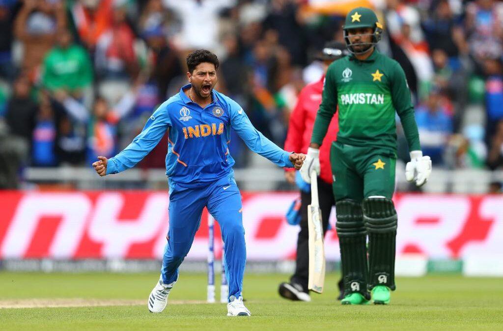 WATCH: शेन वार्न की 'बॉल ऑफ द सेंचुरी' की तरह कुलदीप यादव ने डाला पाकिस्तान के खिलाफ ड्रीम बॉल