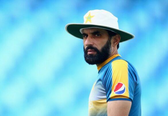 मिस्बाह उल हक ने बताया क्यों पाकिस्तानी बल्लेबाजों से अलग हैं विराट कोहली 21